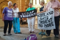 westminster singning occupation - Trident Replacement Vote Day 2016