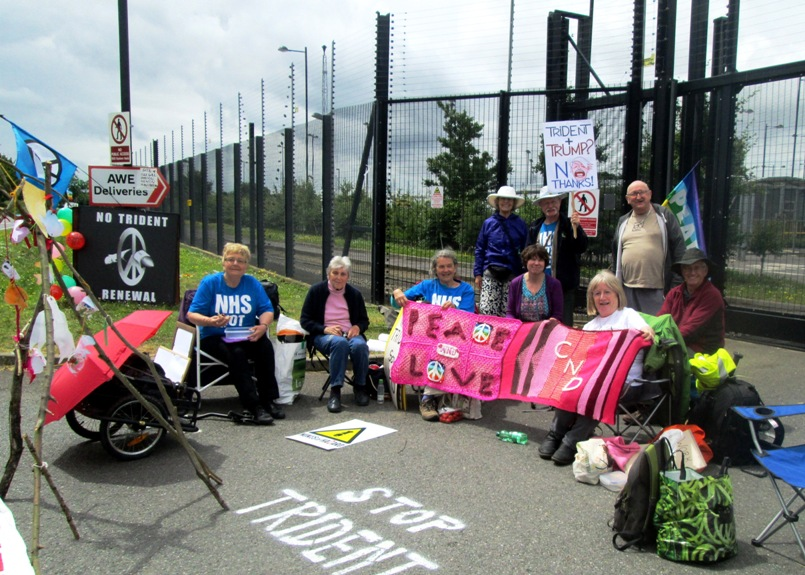 Rolling blockade at Burghfield nuclear weapons factory